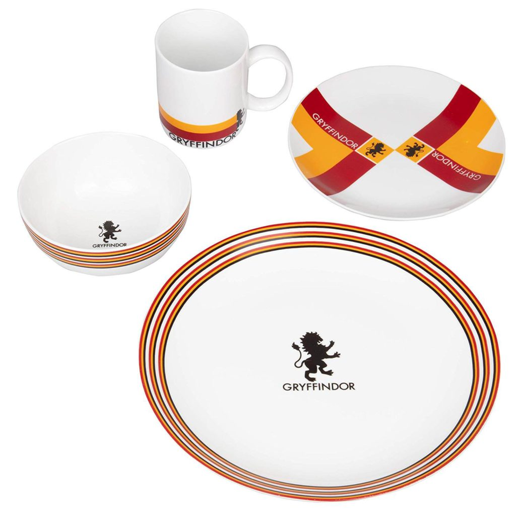 Harry Potter Gryffindor Porcelain 16 piece Dinnerware Set for 4